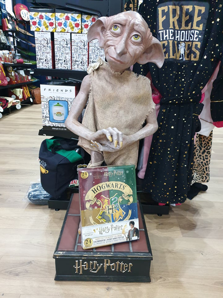 Dobby dans le showroom Pause Canap
