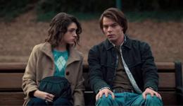 Jonathan et Nancy dans Stranger Things